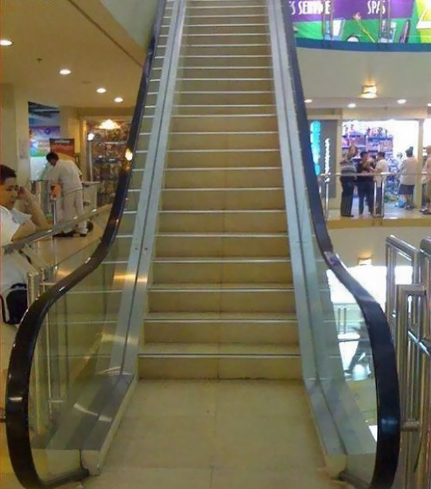 This mistake escalated quickly | Archisnapper presents 20 hilarious staircase building fails